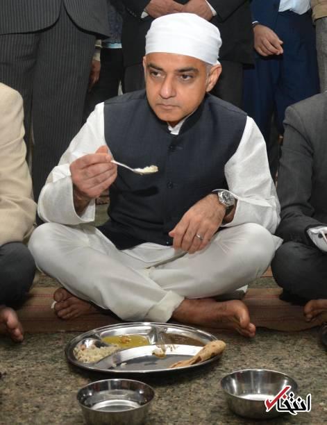 عکس/ شهردار مسلمان لندن در معبد هندوها