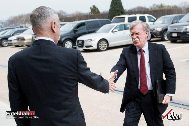 گزارش VOX از رقابت سنگین بین وزیر دفاع و مشاور امنیت ملی ترامپ؛ جان بولتون میگفت «باید سوریه را بهصورت گسترده بمباران کنیم»، اما ترامپ گفت «نه» / جیمز میتس، بولتون تازهوارد را شکست داد / آیا رئیس پنتاگون، بازهم خواهد توانست ترامپ را از تصمیمهای بولتون دور کند؟