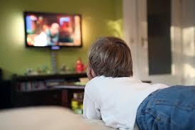 بچه،طولاني،جلوي،گزينه،تماشاي،ناسالم،ميز،چاقي،خوراكي،تلويزيون