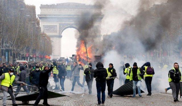 زردها،دولت،سياه،شنبه،پاريس،پليس،فرانسه،معترضان