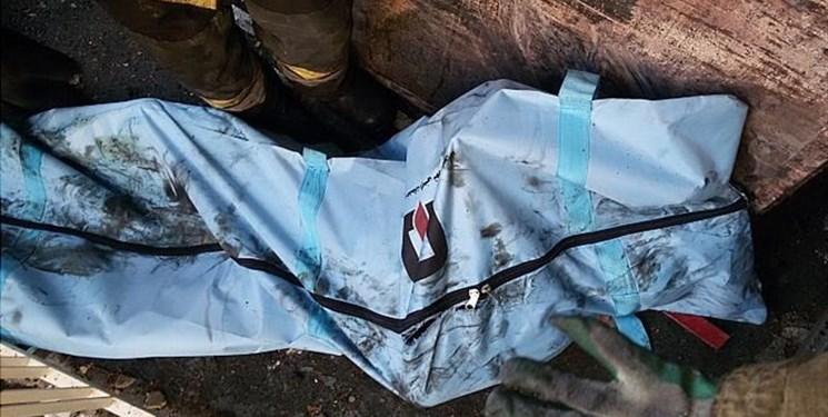 سقوط هواپیمای بوئینگ ۷۰۷ باری در کرج / مبدا پرواز بیشکک قرقیزستان بود / هواپیما به جای فرودگاه پیام به اشتباه در فرودگاه فتح نشست / هواپیما به شهرک مسکونی کنار فرودگاه برخورد کرد / از ۱۶ سرنشین تا این لحظه تنها مهندس پرواز نجات یافته است / هواپیمای سقوط کرده متعلق به ارتش است / پیکر هفت فوت شده از هواپیما خارج شد