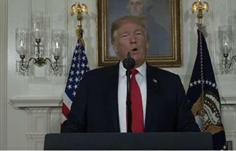 ترامپ: دیوار مرز مکزیک آثار زیست محیطی ندارد / ساخت دیوارها هرگز غیرقانونی نیست / اینکه میگوید دیوارها امنیت آفرین نیستند، نظری چپگرایانه است