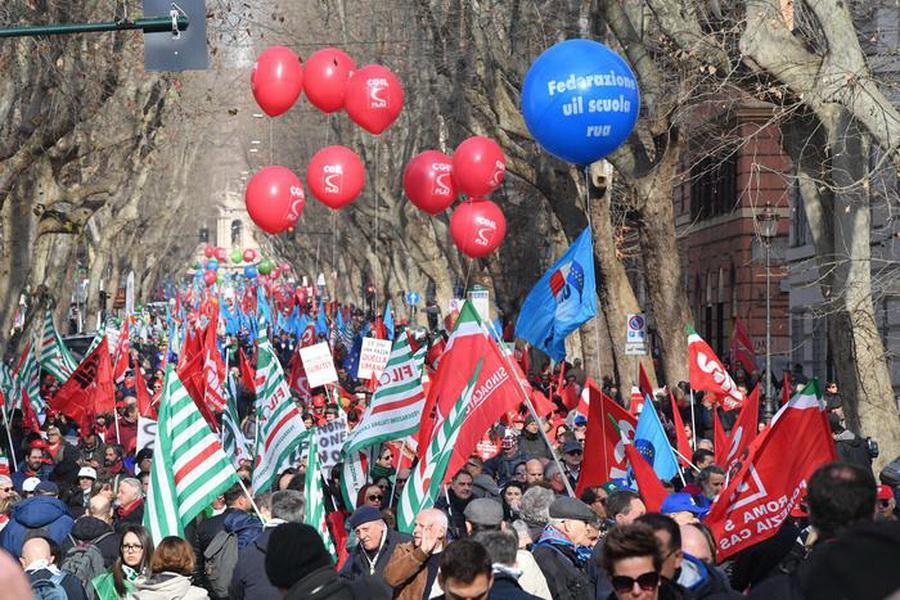 ایتالیایی ها هم علیه سیاست های اقتصادی دولت تظاهرات کردند