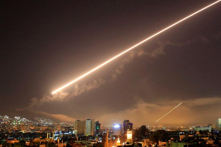 آیا تنش ها میان ایران و اسرائیل در سوریه به جنگی مستقیم بین این دو تبدیل می شود؟ / تهران چگونه به تحرکات اخیر تل آویو پاسخ خواهد داد؟