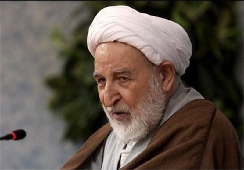 آیت الله یزدی: با بگیروببند و زندانی کردن و بازداشت کردن دختران جوان، نمیشود آنها را تربیت کرد