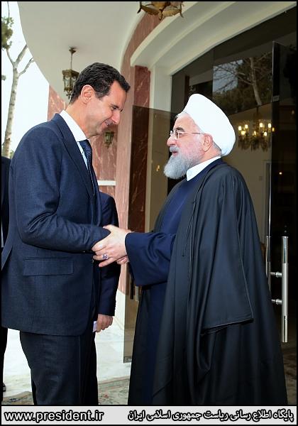 ظریف در تماس پیامکی با «انتخاب»: بعد از عکس های ملاقاتهای امروز، دیگر جواد ظریف به عنوان وزیر خارجه در جهان اعتباری ندارد!