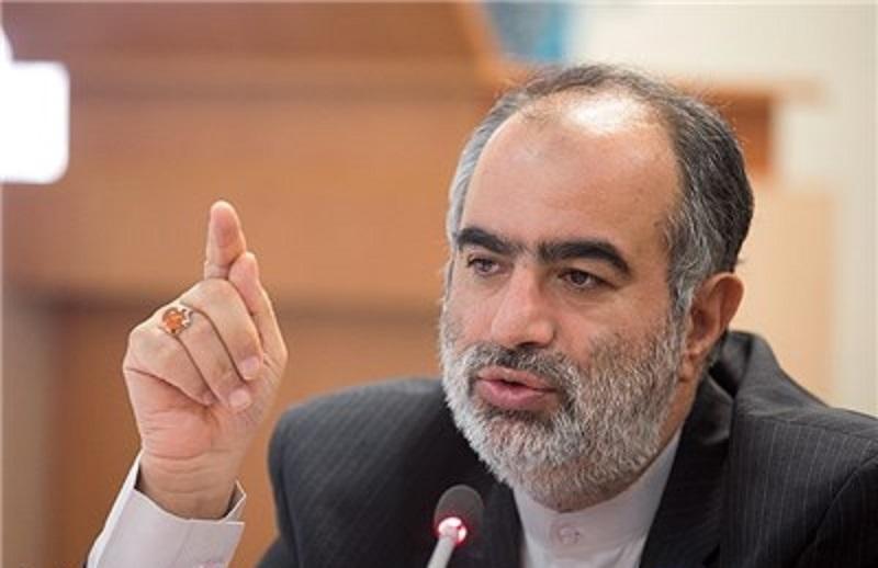 پاسخ آشنا، مشاور روحانی به ضرغامی: کسی نگفته صداوسیما باید دست دولت باشد/ صداوسیما نباید از انصاف دور شود