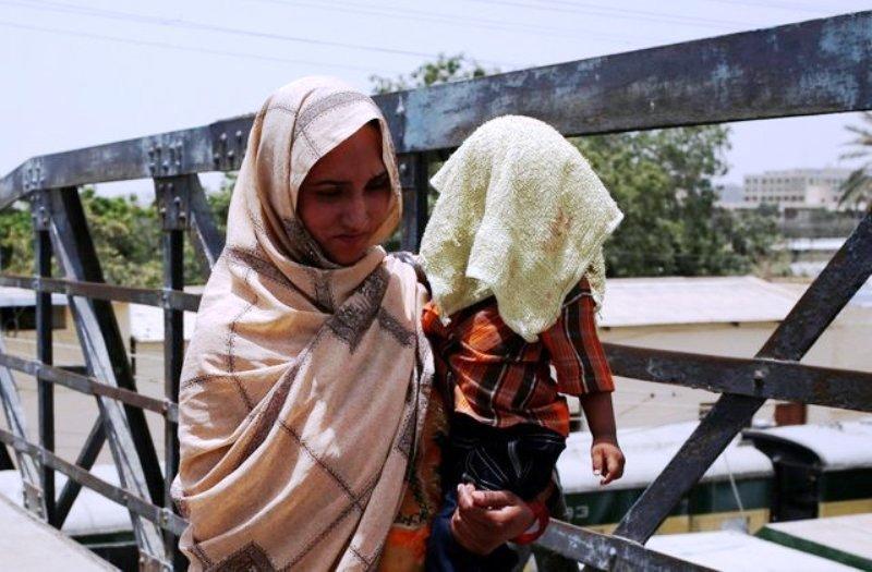 گرمای 65 پاکستانی را به کام مرگ فرستاد