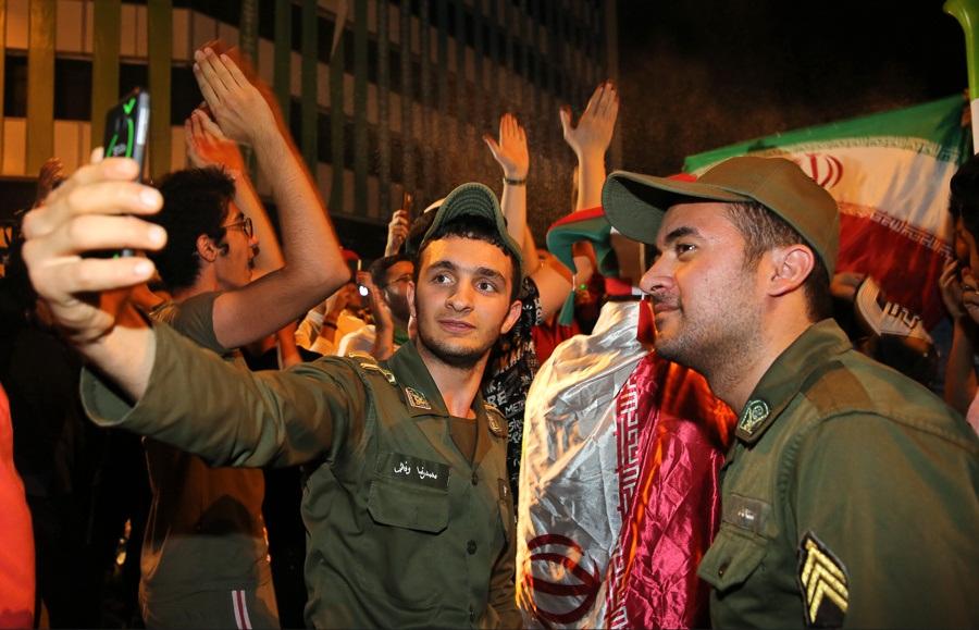 جانشین رئیس پلیس تهران: شب گذشته جشن پیروزی تیم ملی فوتبال در امنیت و انظباط کامل برگزار شد.