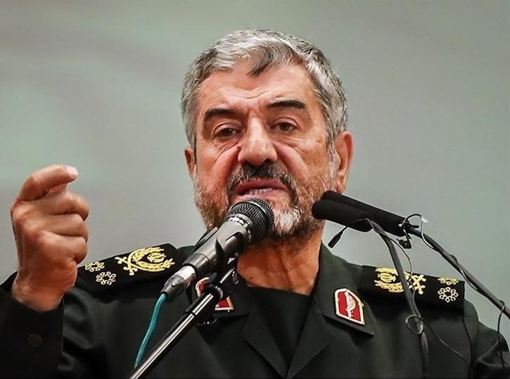 فرمانده سپاه: توان افزایش برد موشکها را داریم، ولی فعلا سیاستمان نیست / بسیاری از اهداف استراتژیک، در همین برد ۲۰۰۰ کلیومتری فعلی قرار دارد