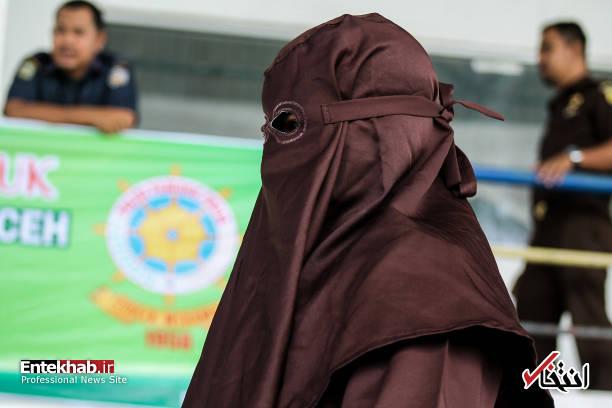 تصاویر : مجازات زنان و مردان متخلف توسط پلیس شریعت آچه