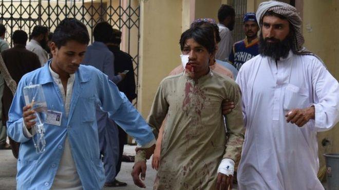 حمله انتحاری در پاکستان / شمار کشتهشدگان به ۱۲۸ نفر رسید