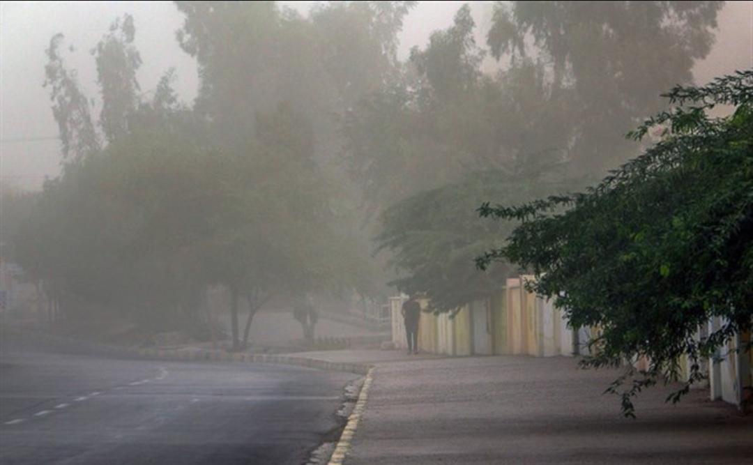 خیزش گرد و خاک در تهران و ۹ استان دیگر/ بارش باران در ۵ استان