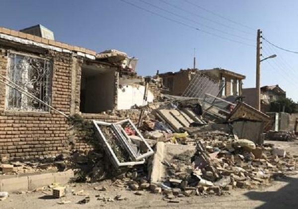 آماده باش 2 استان در پی زلزله کرمانشاه / درمان سرپایی چند مصدوم زلزله