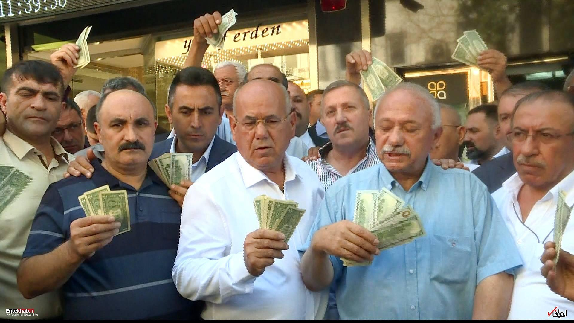 عکس/ صف مردم ترکیه برای فروش دلار