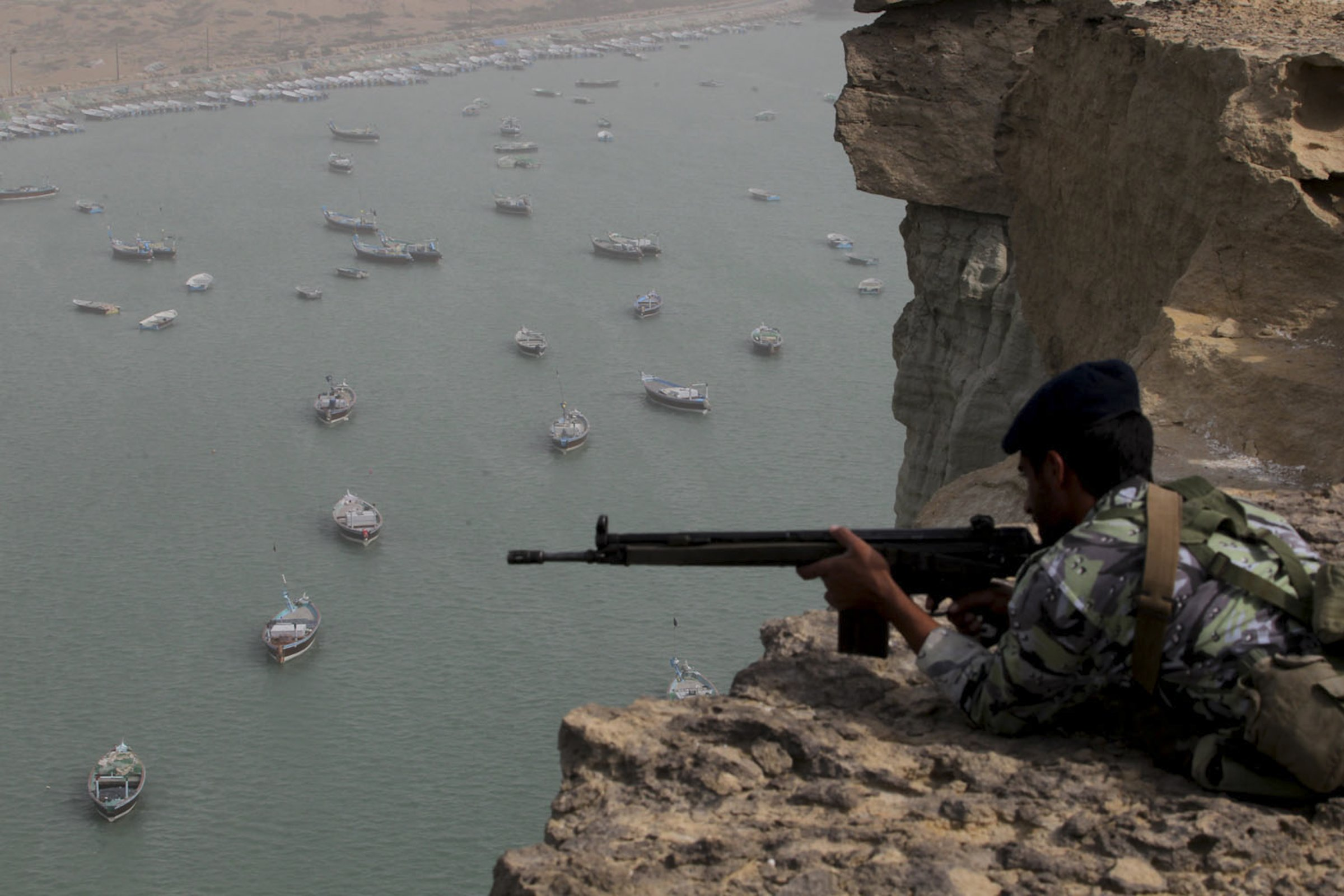 ایران در جنگ از طریق این 4 راه، می تواند آمریکا را در تنگه هرمز و منطقه زمین گیر کند