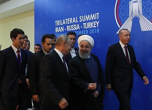 بیانیه مشترک سران در پایان اجلاس سه جانبه تهران / روحانی و پوتین در لحظات آخر با تقاضای اردوغان موافقت کردند؛ دعوت از تروریست ها برای کنار گذاشتن اسلحه