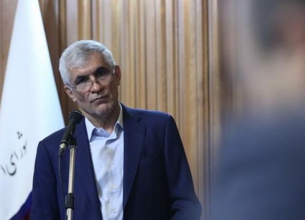 قاضی سراج: شهردار تهران هم باید پست خود را ترک کند