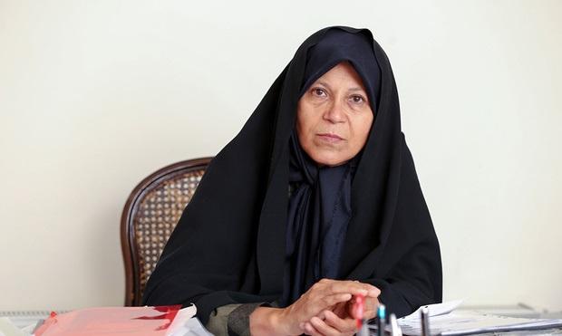 فائزه هاشمی: عجیب اینجاست  امروز  احمدینژاد طلبکار است، آن هم با این نقش به شدت مخرب در دوران ریاست جمهوریاش که هنوز هم تاوان آن را پس میدهیم/ هنوز سیاست های پوپولیستی اش را ادامه می دهد