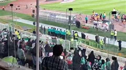فیلم/ تشویق تیم ملی توسط بانوان در ورزشگاه آزادی