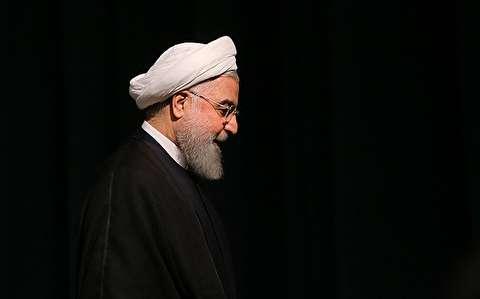 کیهان:چرا روحانی وزرای خود را از قرارگاه خاتم نمیآورد؟