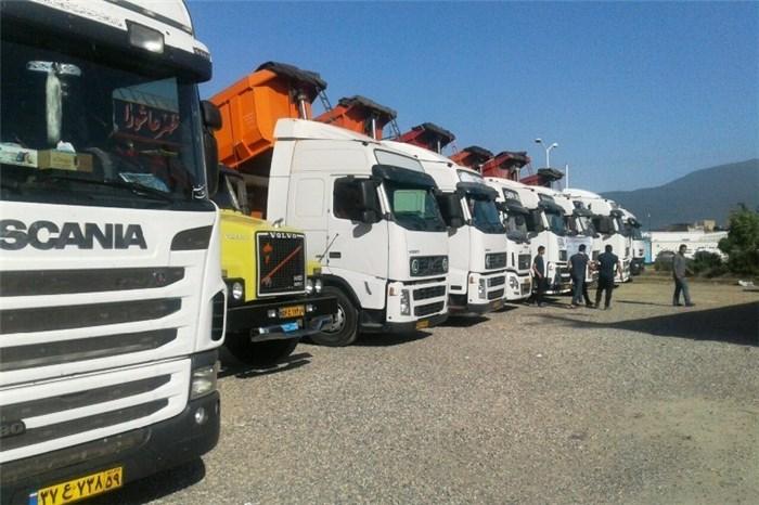 امنیت کامیونداران در جاده های استان برقرار است/ ورود 130 کانتینر لاستیک به بنادر کشور
