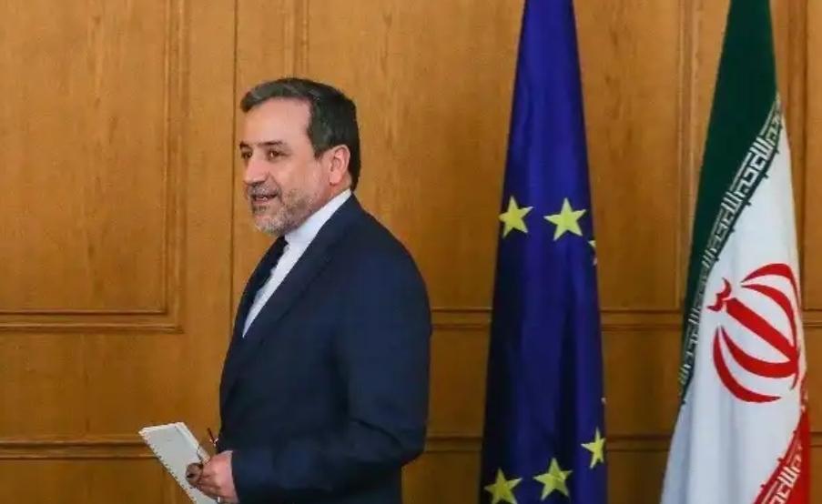 عراقچی: سازوکارهای ویژه اروپا تا آبان اجرایی میشود/ قرار نیست اتفاق عجیبی در 13 آبان بیفتد