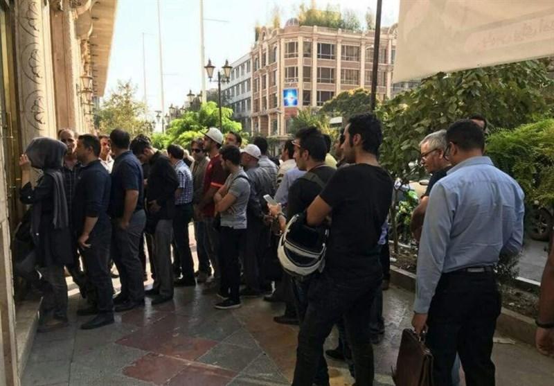 شرایط تحویل ارز اربعین در مرز مهران تغییر کرد / متقاضیان می توانند از طریق یک نماینده ارز اعضای گروه را دریافت کنند
