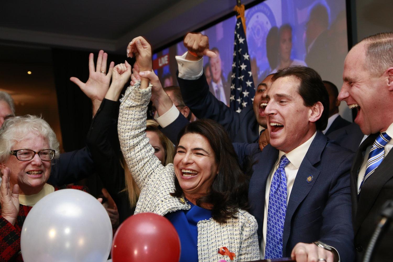 حضور زنان ایرانی تبار در مجلس نمایندگان آمریکا/ این ۳ زن ایرانی چگونه وارد مجالس ایالتی آمریکا شدند؟