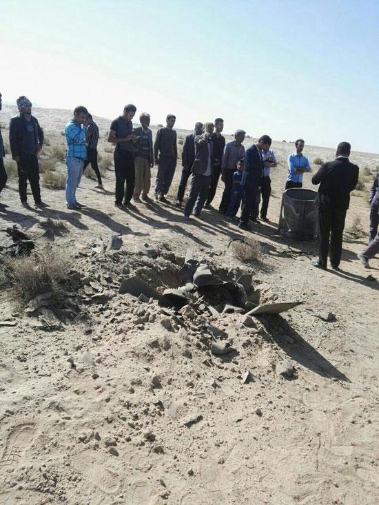 سقوط دو شیء ناشناس در کویر بجستان +تصاویر