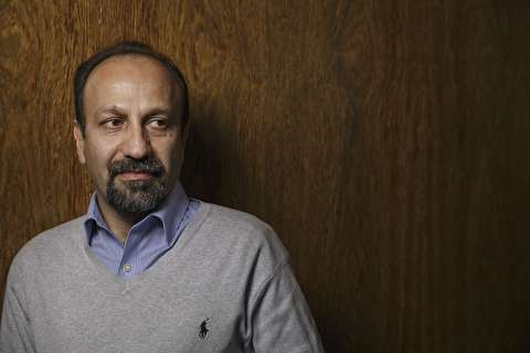 دفاع هوشنگ گلمکانی از اصغر فرهادی: پنجه به صورت آدم موفق نکشیم/ عدهای خوشحال میشوند که آدمهای مشهور و موفق را به زیر بکشند