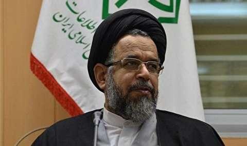وزیر اطلاعات: «شیرین. ن»، متهم اقتصادی در یکی از کشورهای همسایه دستگیر به کشور بازگردانده شد / او با ۸۰۰ میلیارد تومان اختلاس در قالب ارز متواری شده بود