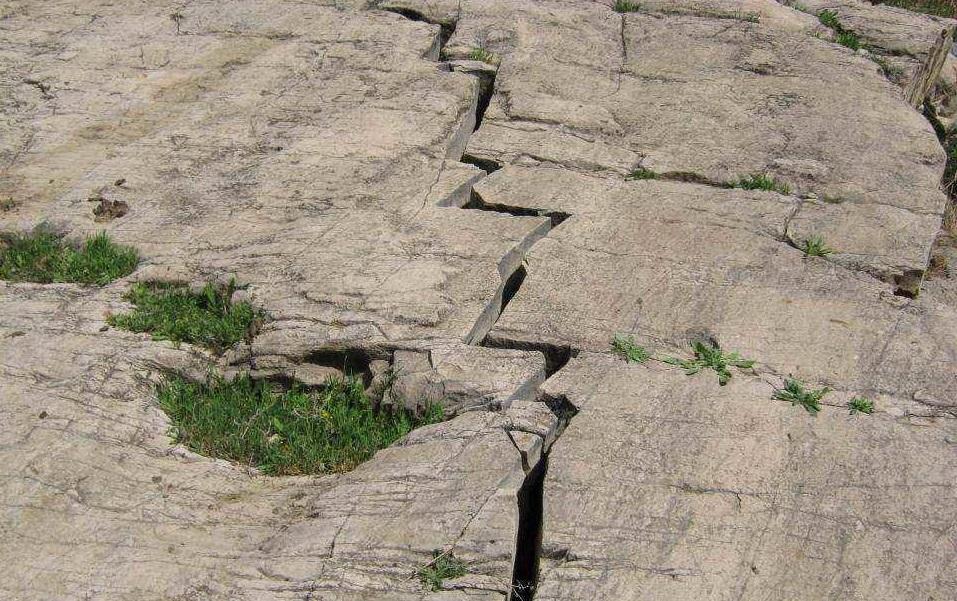 وزارت راه: فلات ایران ناآرام شده/ با فوجی از زلزلهها مواجه ایم