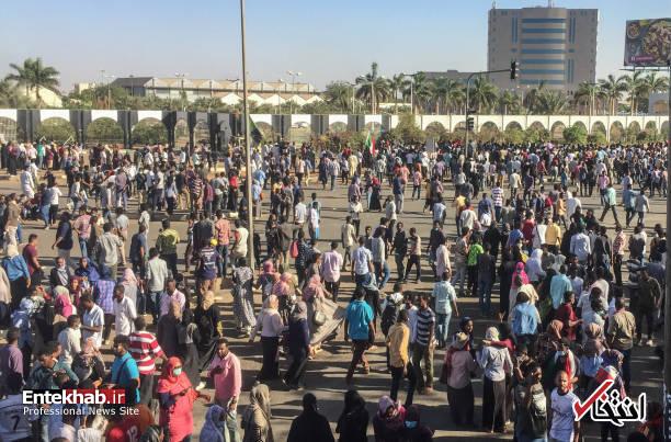 عکس/ معترضان سودانی به مقر فرماندهی ارتش رسیدند - 5