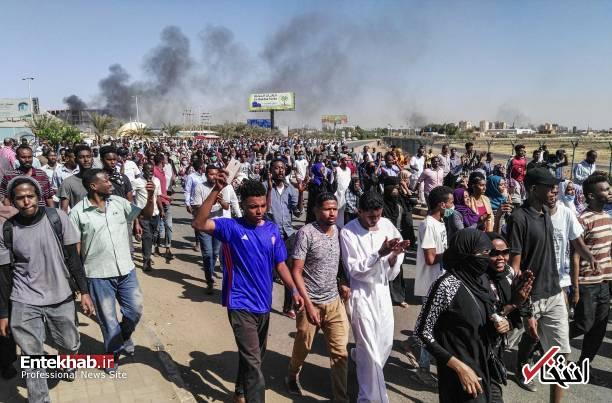 عکس/ معترضان سودانی به مقر فرماندهی ارتش رسیدند - 11