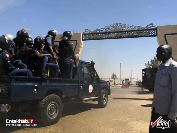 عکس/ معترضان سودانی به مقر فرماندهی ارتش رسیدند - 13