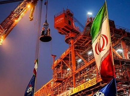 صادرات نفت ایران به سطح نزدیک به پیش از تحریمها بازگشت / افزایش ۶۰ درصدی صادرات، غافلگیرکننده بود / افزایش صادرات از محل ذخایر انبار شده ایران بود؛ 30 درصد از ذخایر نفت جزیره خارک برداشت شده / معافیت بزرگترین مشتریان ایران بار دیگر تمدید خواهد شد