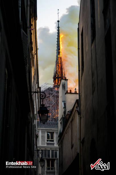 تصاویر: آتش سوزی مهیب در کلیسای ۸۵۰ ساله نوتردام