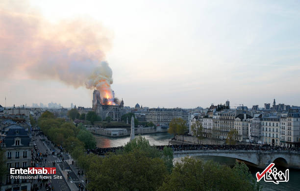 تصاویر: آتش سوزی مهیب در کلیسای ۸۵۰ ساله نوتردام - 10