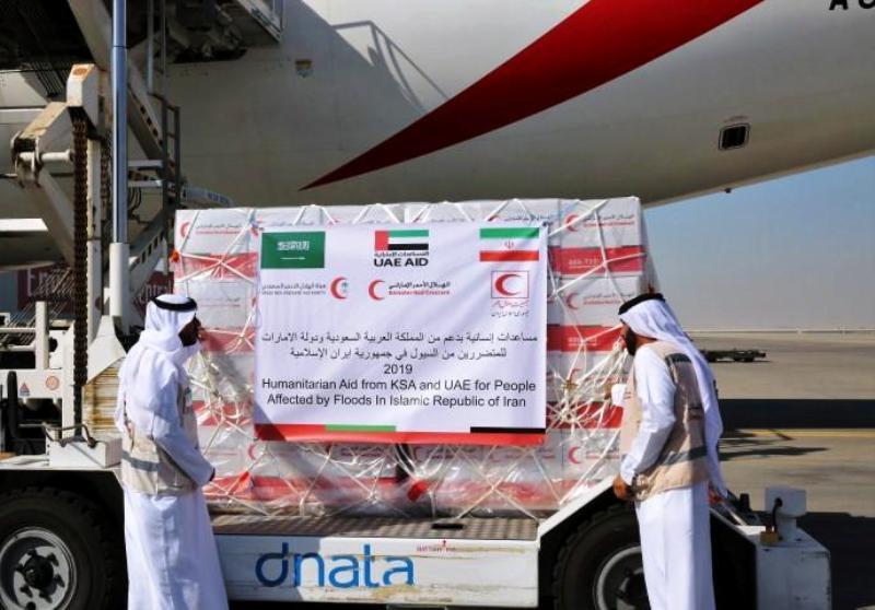 کمک های سعودی و امارات به سیل زدگان راهی تهران شد