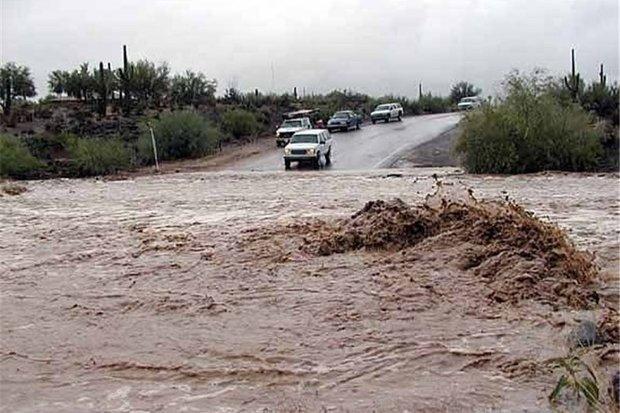 بارش باران محور سنخواست-جاجرم را مسدود کرد
