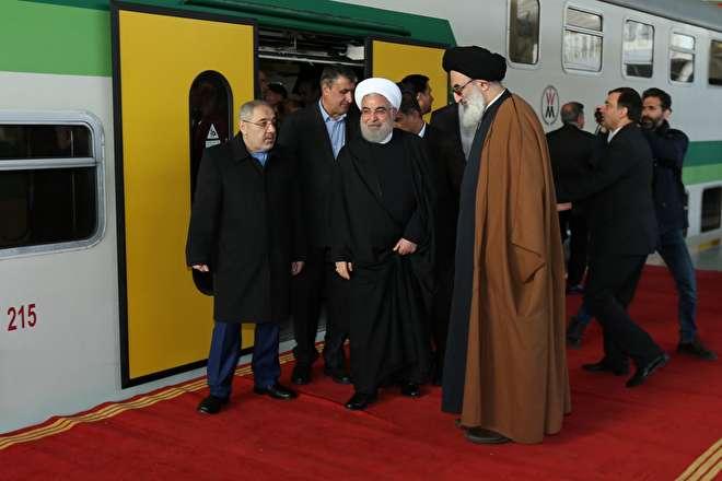 تصاویر :  افتتاح قطار برقی شهر جدید هشتگرد با حضور روحانی