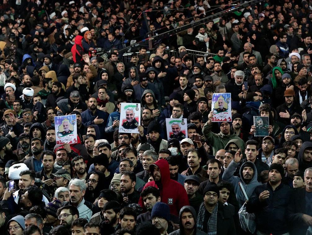 آغاز مراسم تشییع پیکر شهید سلیمانی در تهران / مقام معظم رهبری بر پیکر سردار سلیمانی اقامه نماز خواهند کرد