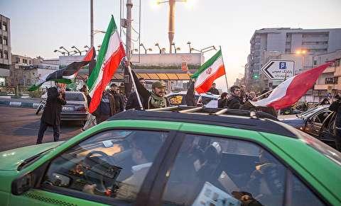 تصاویر : تجمع مردمی در پی حمله موشکی هوافضای سپاه به عین الاسد