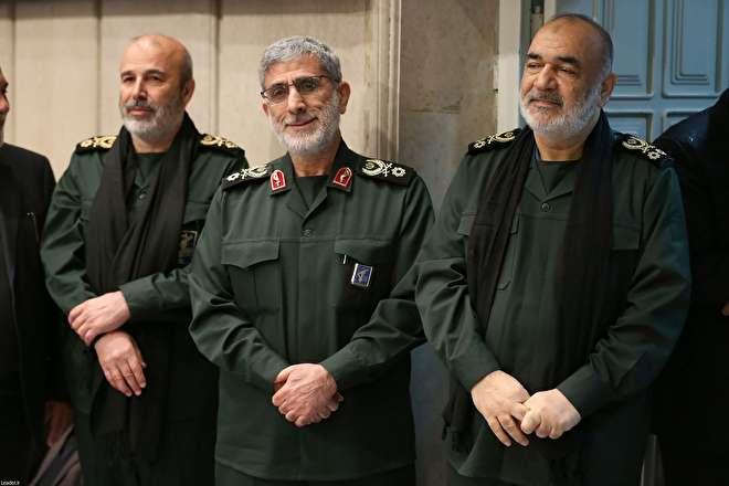 تصاویر : مراسم بزرگداشت سردار سلیمانی و همرزمانش با حضور رهبر انقلاب