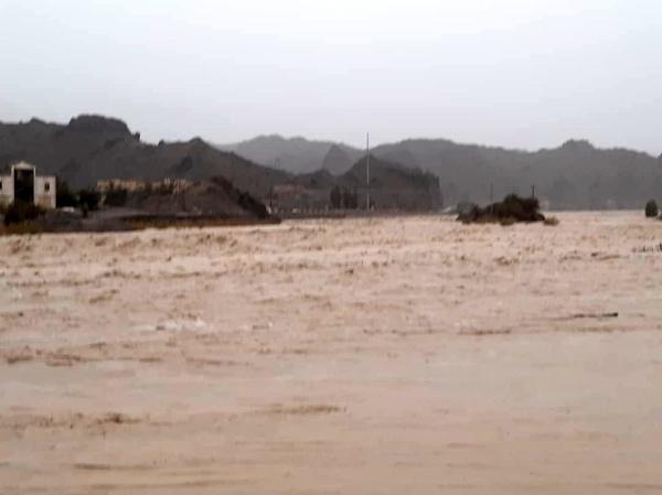 امدادرسانی هوایی به قصرقند و نیکشهر/اسکان هزار و ۷۷۹ خانوار در اردوگاههای اضطراری