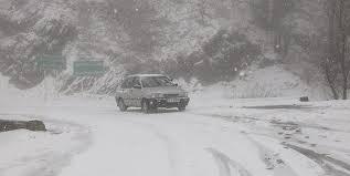 برف و باران در جادههای ۱۸ استان/ لزوم تردد با زنجیر چرخ