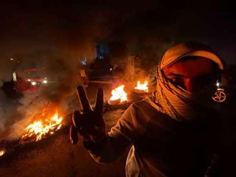 تصاویر : خشونت طلبان خیابانهای بغداد را بستند