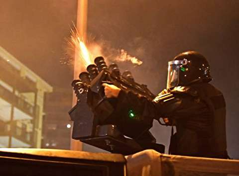 تصاویر : درگیری پلیس با معترضان در بیروت