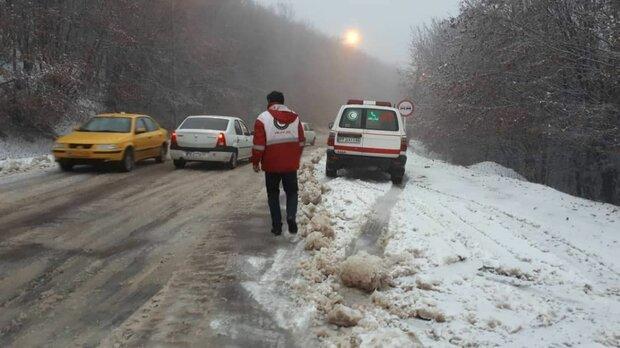 امدادرسانی به ۱۰۰۰ نفر در استان های درگیر برف و کولاک